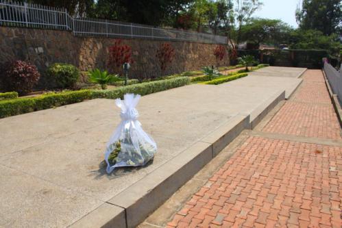 5278 Mass Grave Kigali.jpg