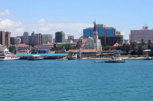 7200 Dar es Salaam Harbour.jpg