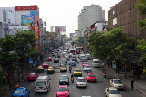 0843 Thanon Ratchawithi.jpg