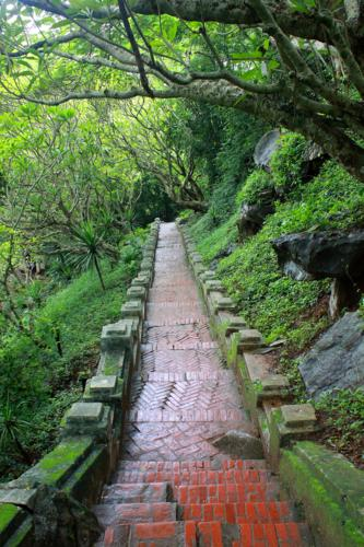 1742 Phoussi Hill path.jpg