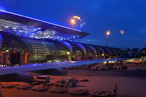 0830 Bangkok Airport Dawn.jpg