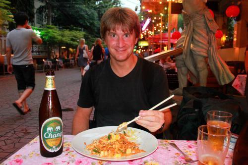 0930 Paul in Banglamphu.jpg