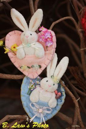 Rabbits_in_hearts.jpg