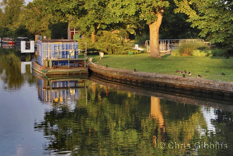 Quiet Flows the Thames