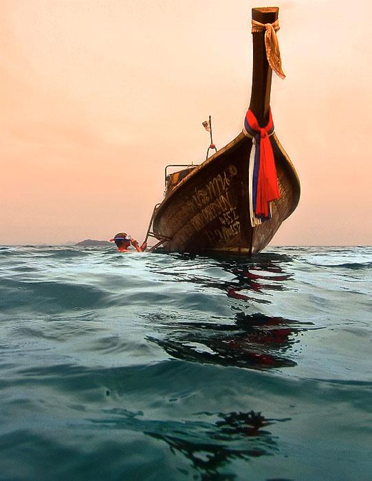 Phi-Phi long boat snorkeling
