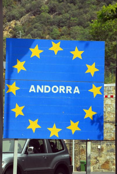 Andorras EU-style border sign