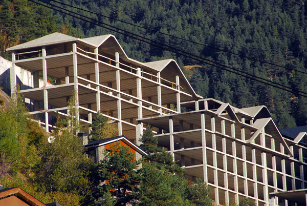 Construction halted on a huge Arinsal resort, Andorra