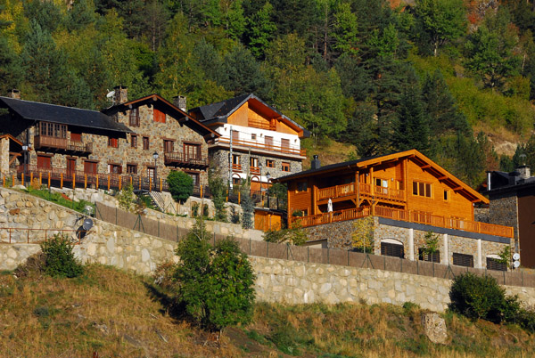 Much more appropriate ski lodges for Arinsal