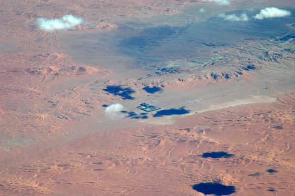 Facility on the Algerian side of the Libyan border (27 47 10N/009 53 28E)