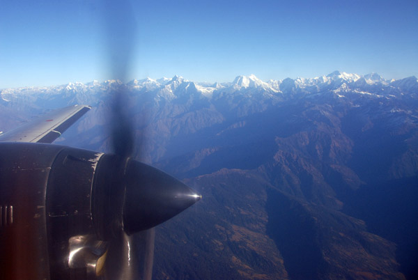 J41 climbing to FL210 heading east along the Himalaya from Kathmandu to Mt Everest
