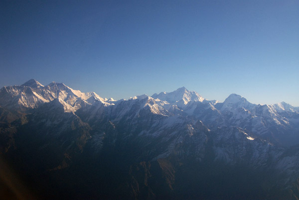 View from Mt Everest and Lhotse (left) to Makalu 8463m/27,766ft (center, fifth tallest) Chamlang (right)