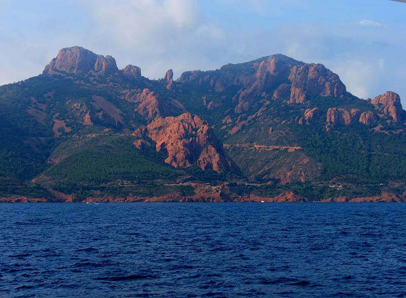 Bateau/ the red cliffs of Estérel