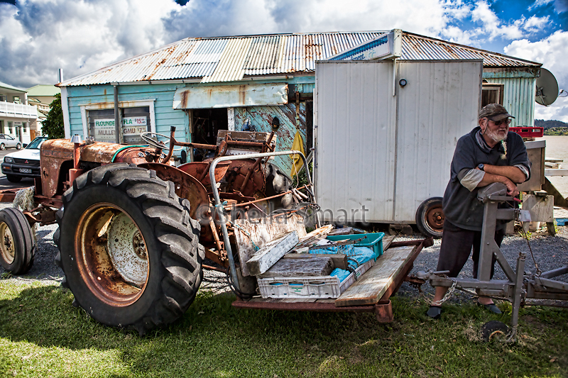 Man with tractor at Rawehe