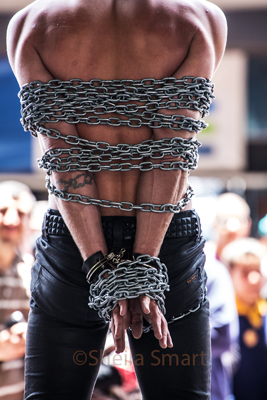 Busker in chains