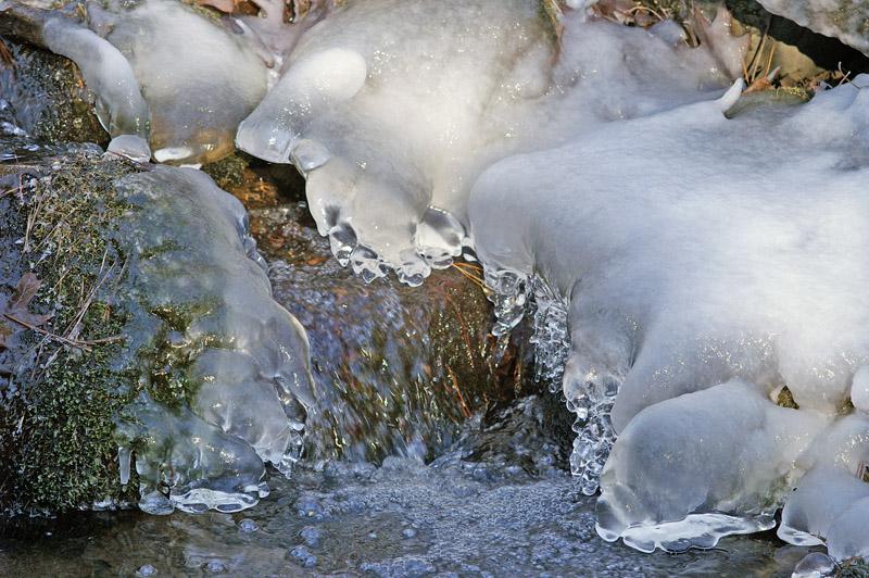 Creek Ice 7590.jpg