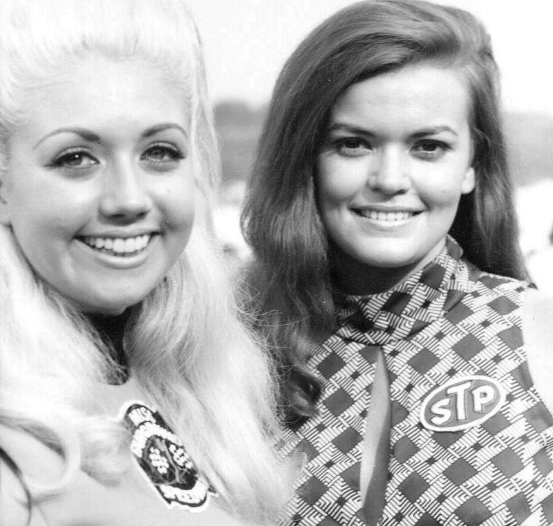 1970 420 Sue Cothron Miss STP and Judy Frensley.