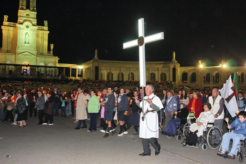 The Cross led the procession IMG_9631.jpg