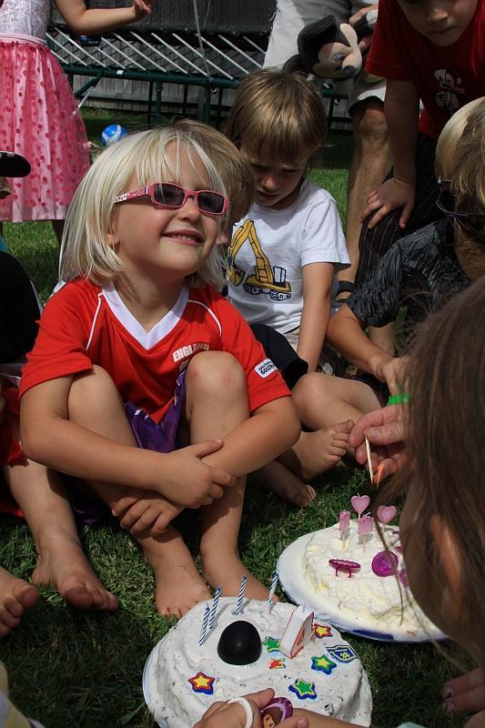 Its MY birthday today, says Charli