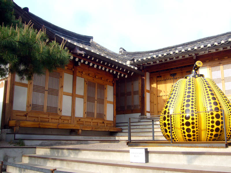 Seoul, Bukchon Hanok Village, traditional house, modern sculpture
