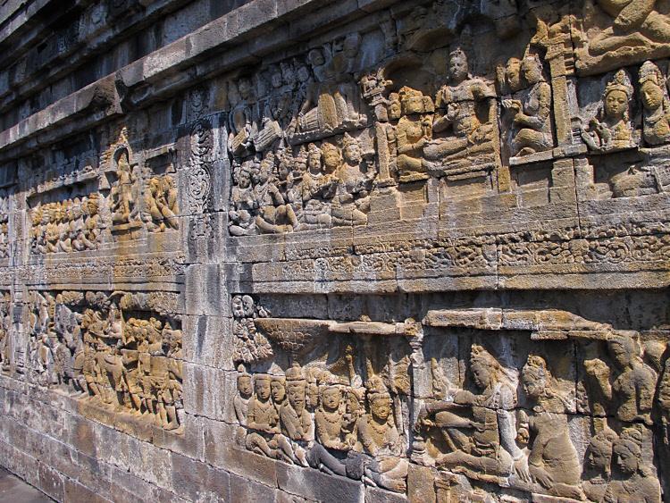 Borobudur 9000