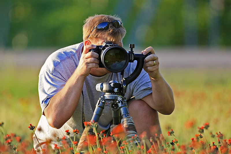 Mike Lentz photographing