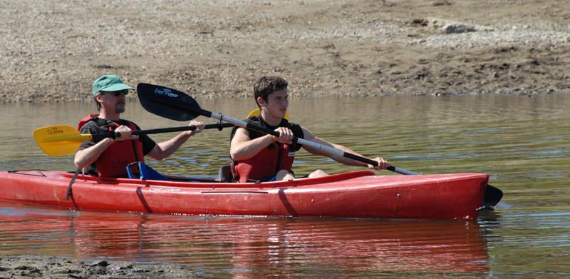 DSC_2065c Guess Whos Kayaking.jpg
