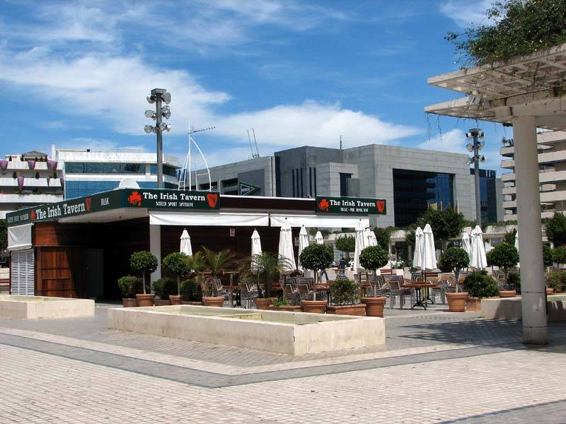 Irish Bar, Antonio Banderas Square