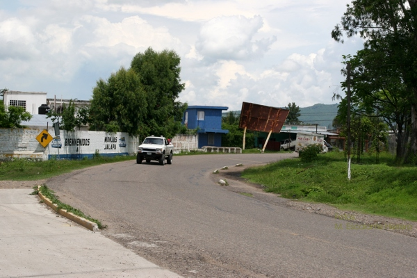 Carretera de Ingreso al Poblado desde Jutiapa