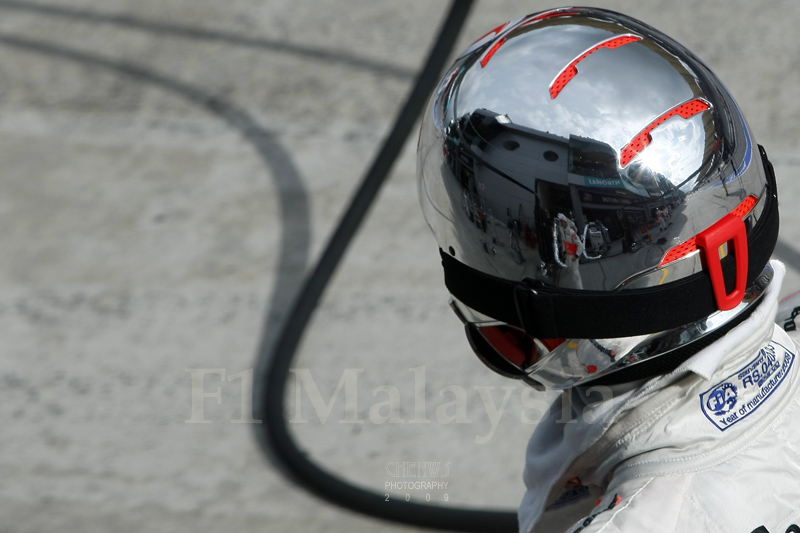 Silver helmets for the silver arrow team