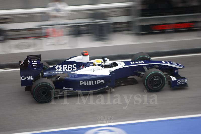 Nico Rosberg coming in