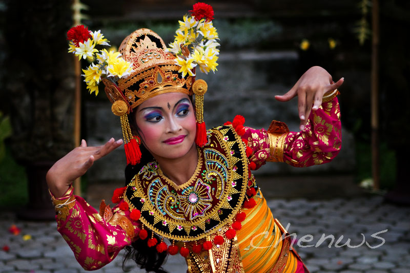 One of the talented young girls in the performance _MG_3086.jpg