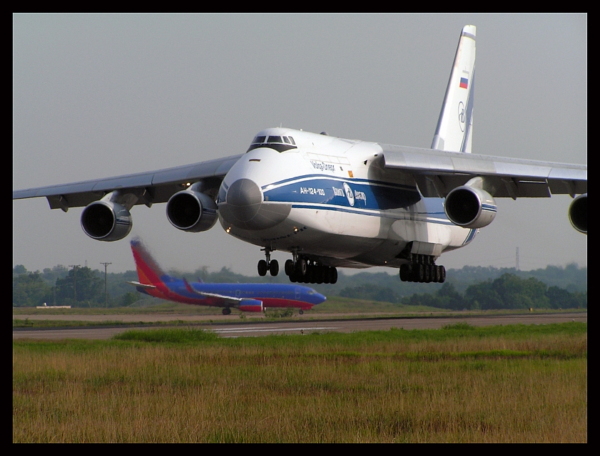 Volga Dnepr Airlines Antonov 124-100 Landing