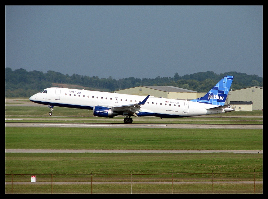 JetBlue Airways (N190JB)