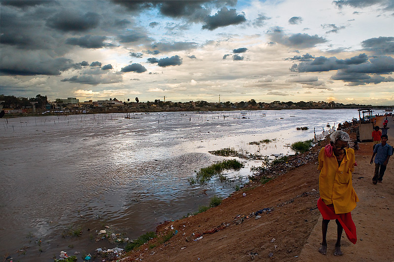 Vaigai River - stormy weather