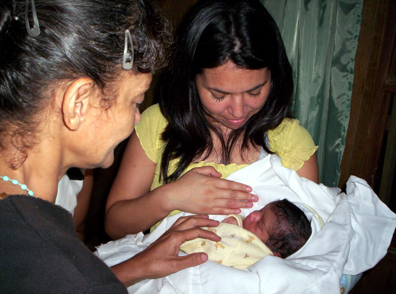 Jessenia y su nueva hija