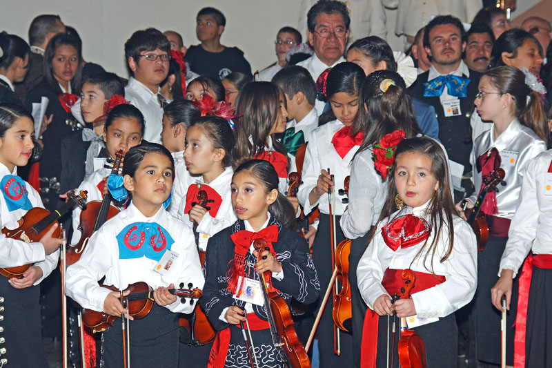 Mariachi Students - 2009 -01.jpg