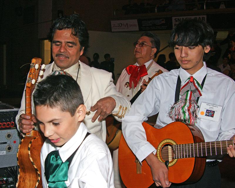 Mariachi Students - 2009 -16.jpg