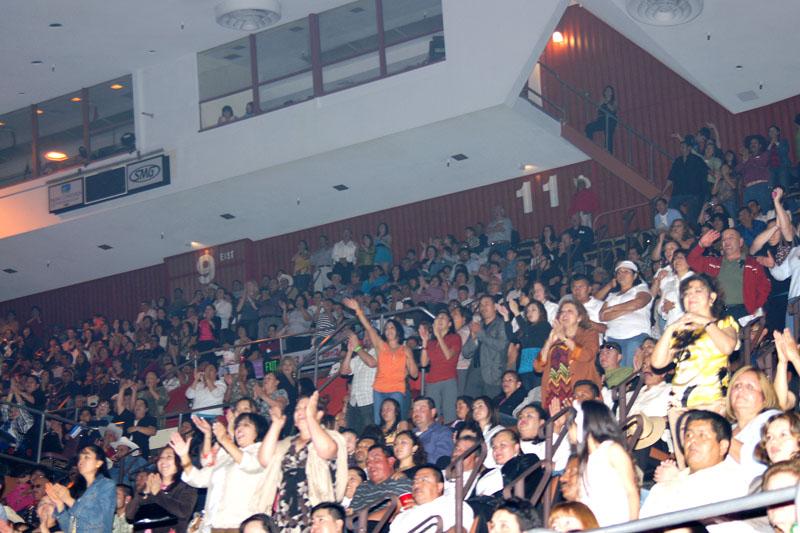 Mariachi Fans - 14.jpg