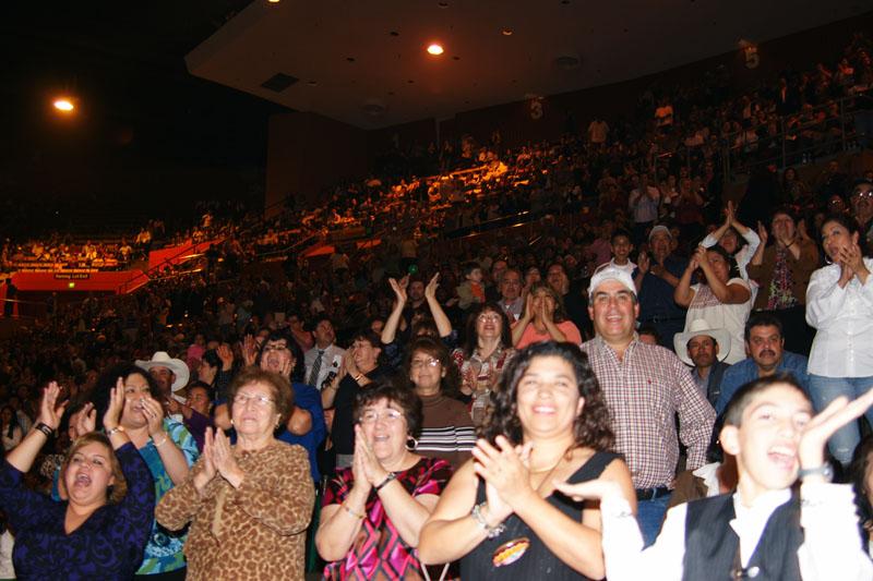 Mariachi Fans - 15.jpg
