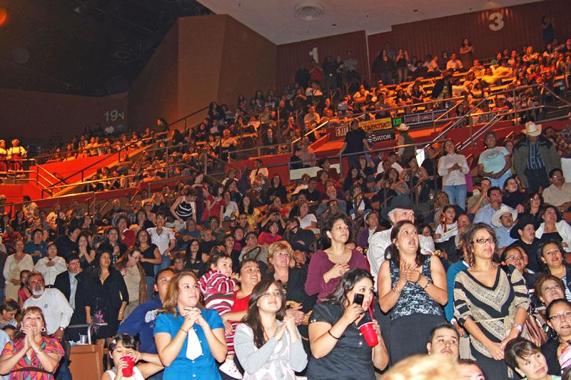 Mariachi Fans - 17.jpg