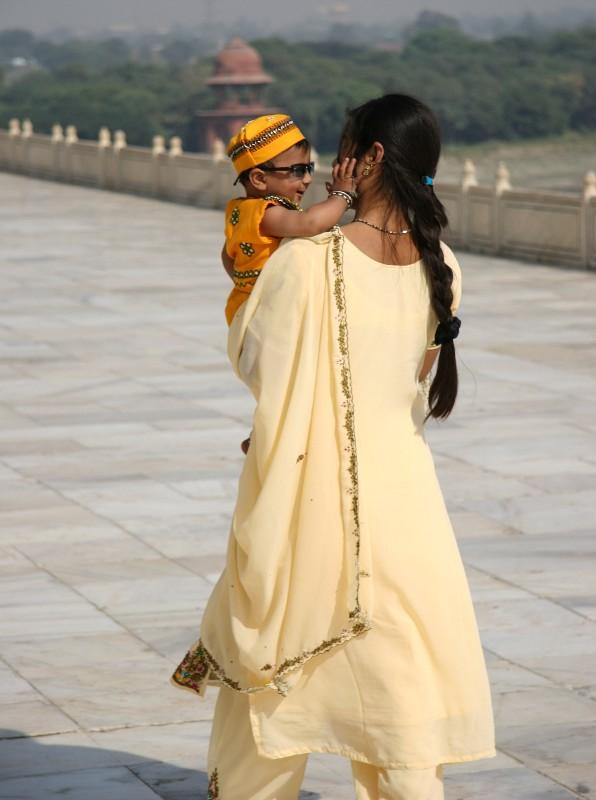 Woman and her child, Taj Mahal