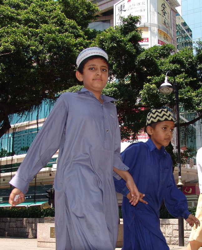 Nathan Road, brothers walking to the Kowloon Mosque