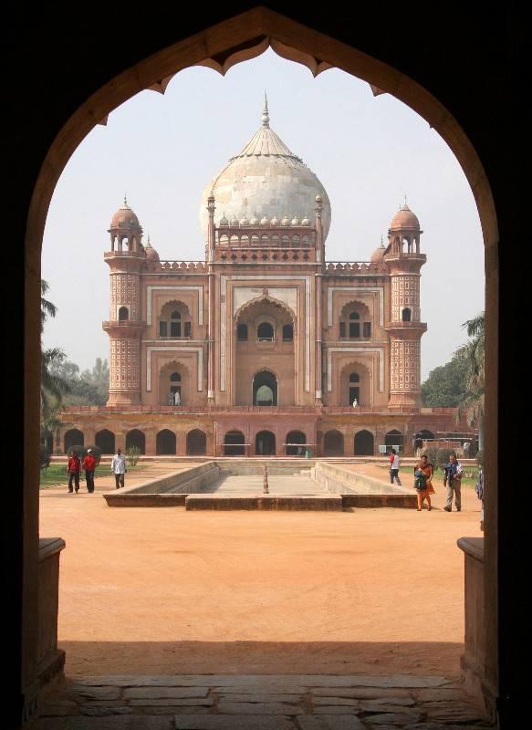 SAFDARJUNGS TOMB, Delhi