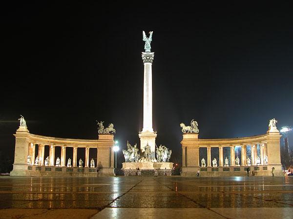 Hösök Tér (Heroes Square) Monument