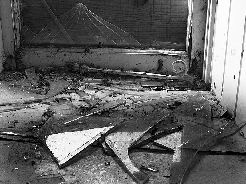 Broken Glass Window-01
