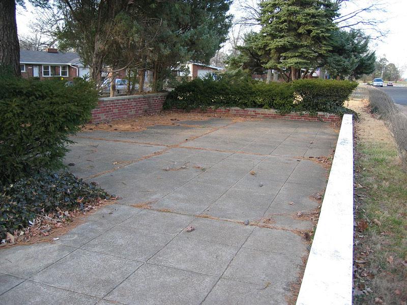 Big back patio - more brick planters.