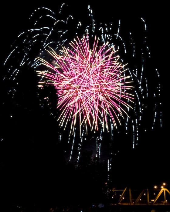 July 4 09 Portland Fireworks-29.jpg