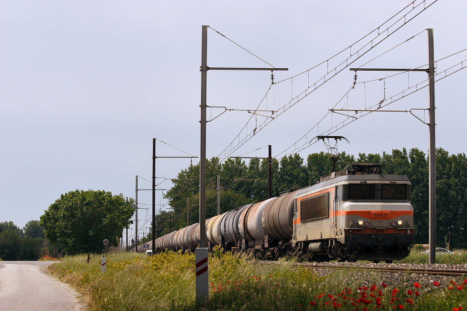 Near Grans, the BB7437 and a complete tanks train.