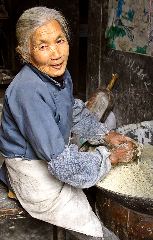 Making dough. Wangcun Village, Hunan Province, China.