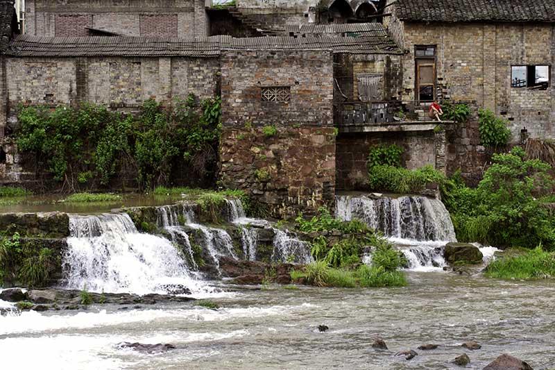 Falls at Fenghuang.